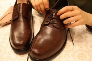 革靴のお手入れ手順1