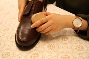 革靴のお手入れ手順2