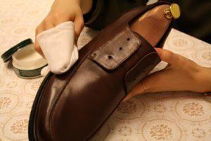 革靴のお手入れ手順4